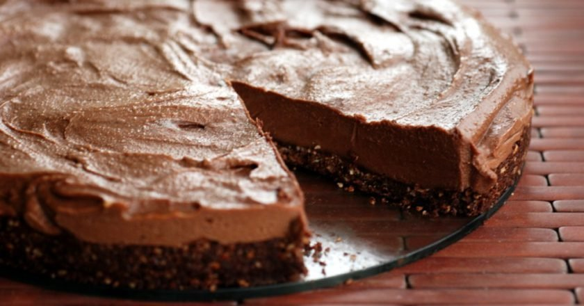 Торт из печенья с «Нутеллой» без выпечки