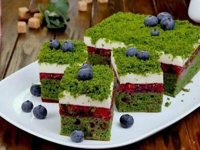 Торт «Лесной мох» с малиной