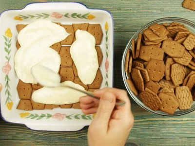 Торт с ванильным кремом без выпечки