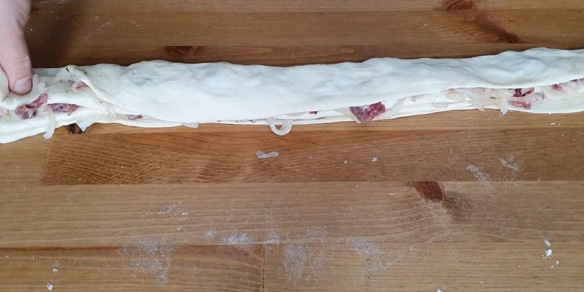 формирование лепешек с мясом
