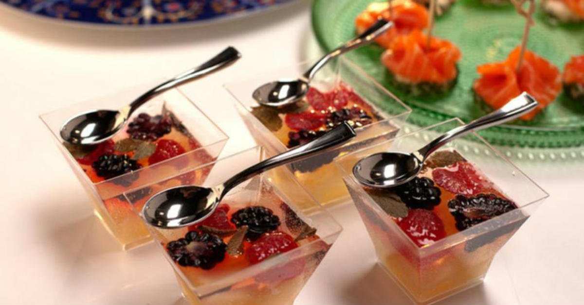 Винне желе з ягодами