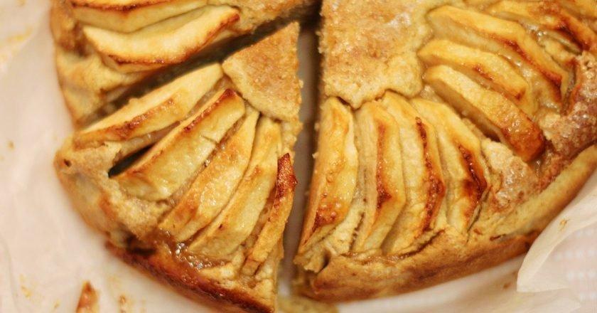 Яблучний пиріг «Невидимий» - готуємо з покроковими фото