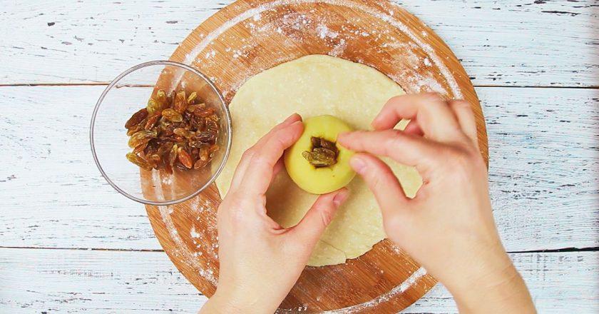 Яблука в тесті - готуємо з покроковими фото