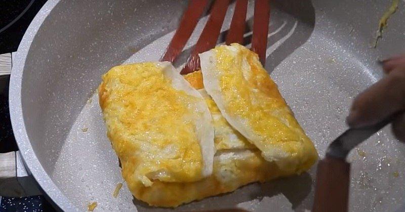 яйцо с ветчиной в лаваше