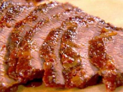 Запеченная свинина с чесноком