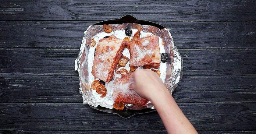 Запечені свинячі ребра - готуємо з покроковими фото